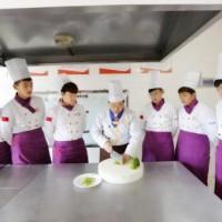 上班族想学烹饪没时间就来哈尔滨新东方