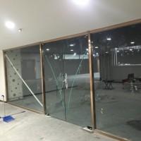 东城区安装玻璃隔断东花市安装磨砂玻璃隔断厂家