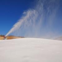 租赁人工造雪机整个雪季费用计算 大型滑雪场建造运营成本